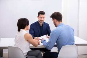 a photo that shows what happens during divorce mediation in Scarsdale, NY