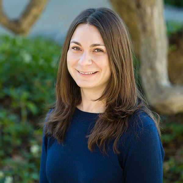 Female Montgomery County PA divorce mediator Remi Schwartz